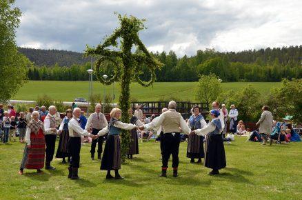 Midsummer Dance 2